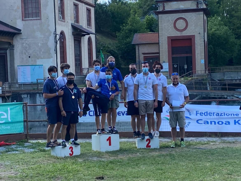 Squadra-senior-podio.jpg
